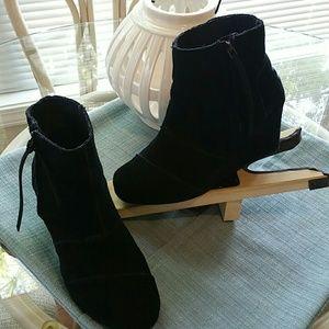 Toms black suede booties with zipper